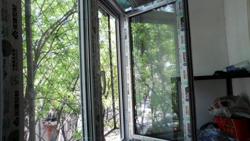 易窗网塑钢门窗封阳台