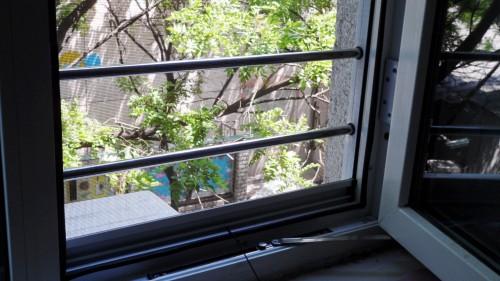 新型纱窗防护窗