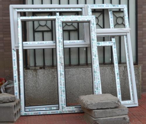 东四环紫南家园塑钢门窗封阳台