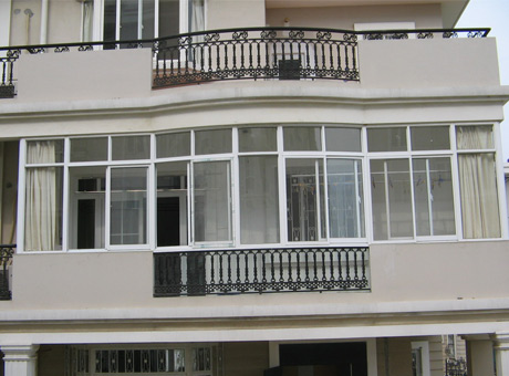 塑钢门窗封阳台效果图