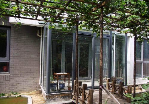 实拍海淀灰色断桥铝门窗安装工程实例
