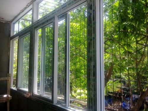 实拍中关村实德七道密封塑钢窗封阳台