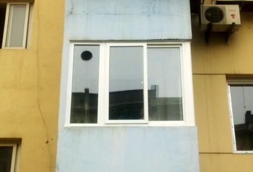 塑钢门窗封阳台
