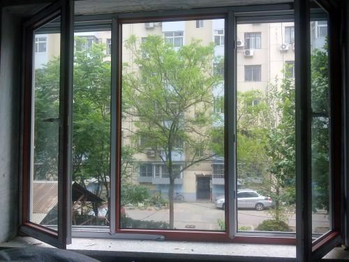 实拍育仁小区彩色塑钢门窗封阳台案列