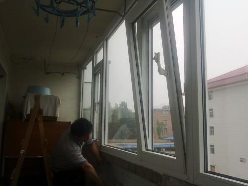 实德塑钢门窗封阳台