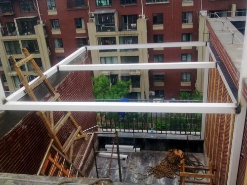 断桥铝封露台钢结构