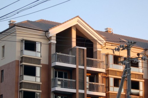 大兴金色漫香林断桥铝门窗封阳台