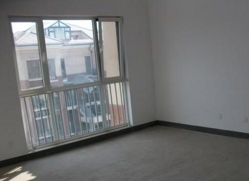 实拍大兴金色漫香林断桥铝门窗封阳台工程案列