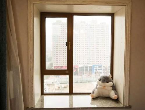 系统门窗价格多少钱一平米 比普通门窗贵多少