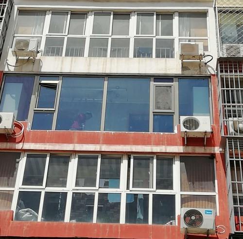 手机拍摄石景山杨庄断桥铝门窗